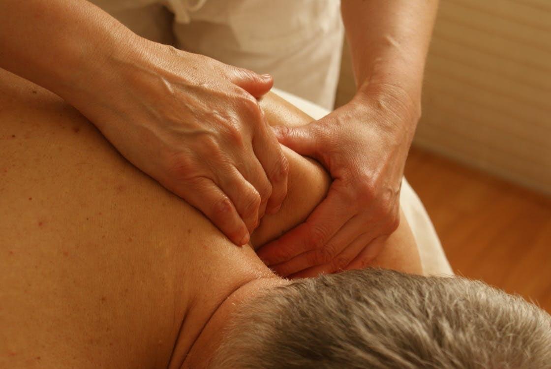 massaging back